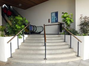 Wharfside_Communal_area_stairs_and_elevator.jpg